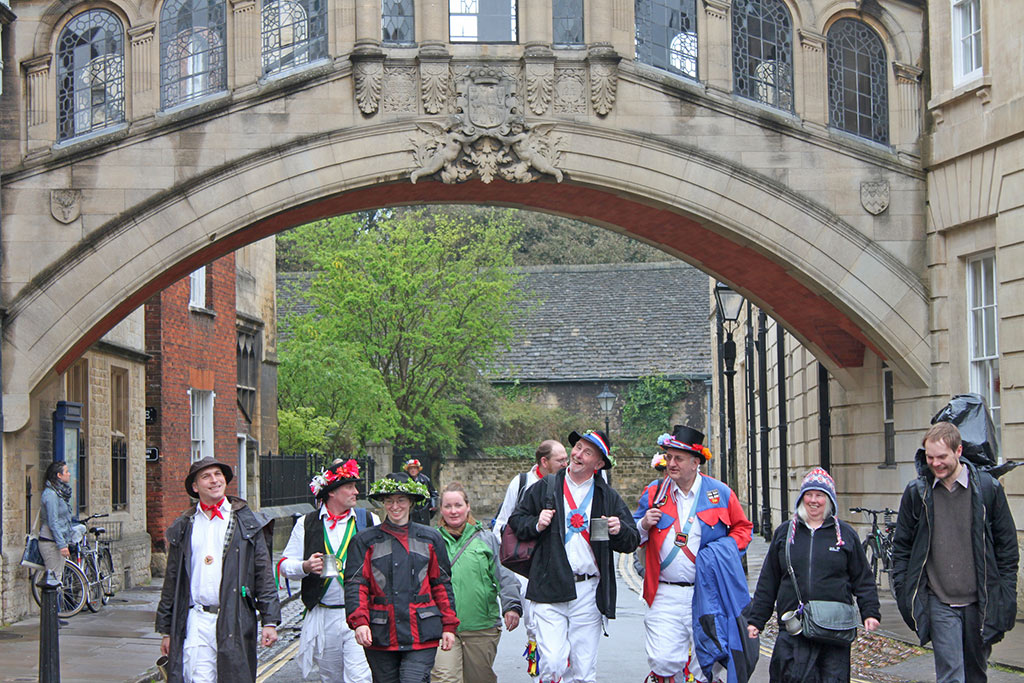morris-men-may-bridge-sighs