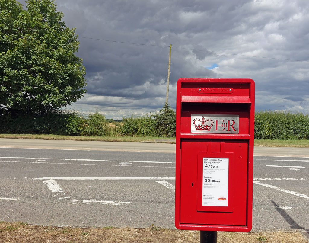 letterbox-red