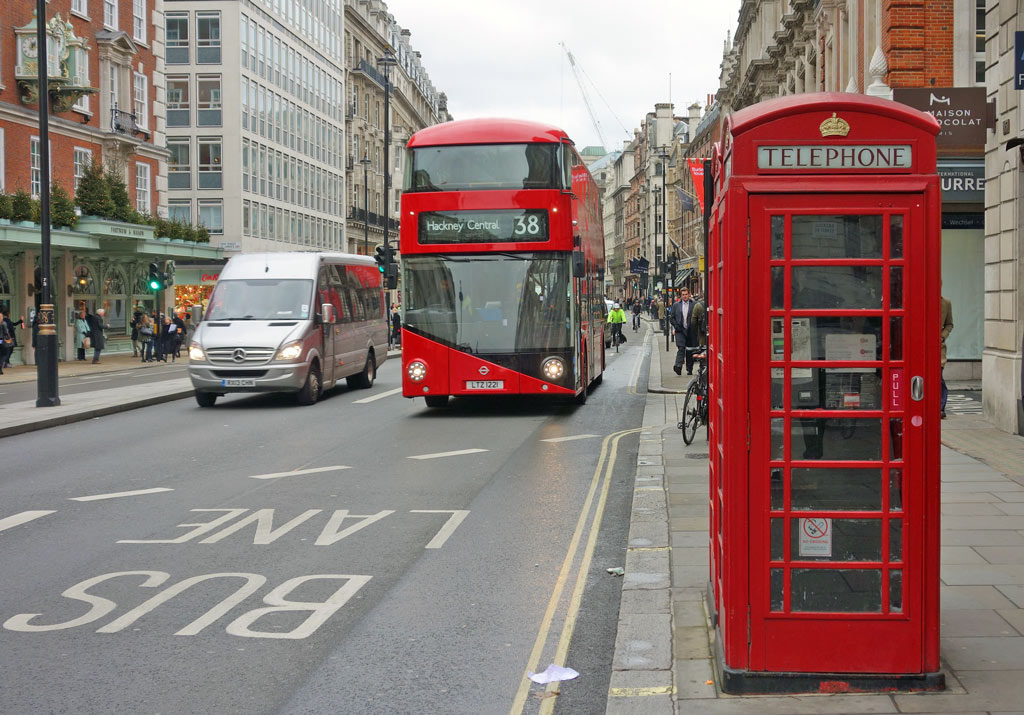 red-bus-red-telephone-box