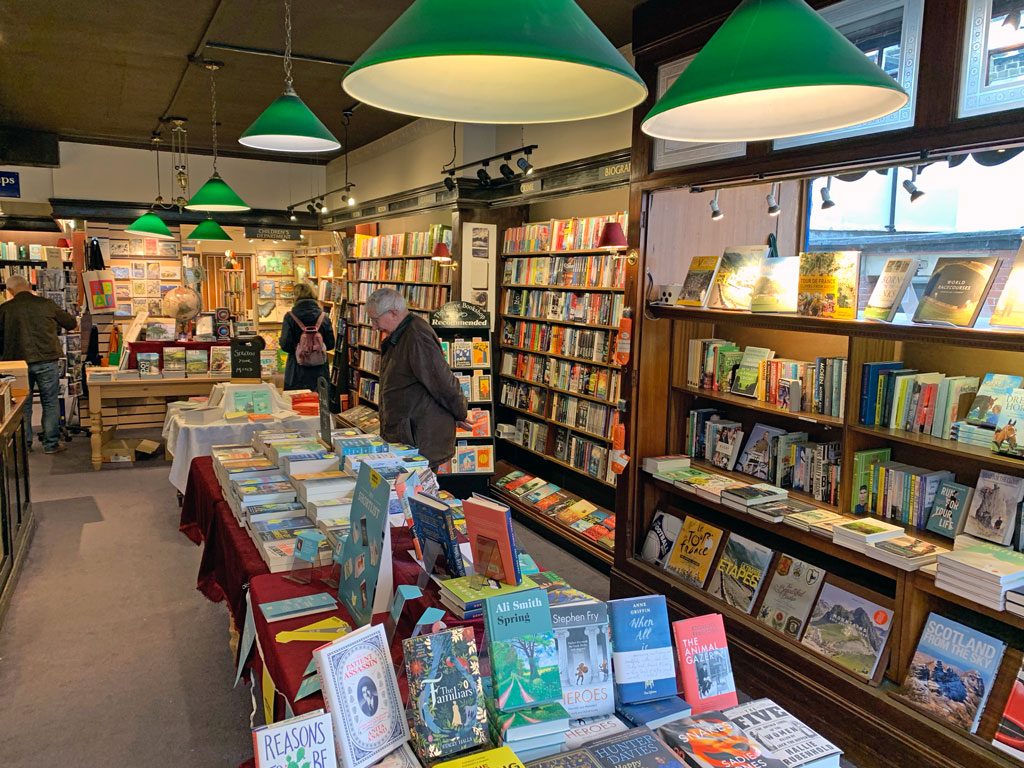 inside-bookshop